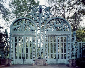 Paul Manship, Rainey Gates, 1933. Bronx Zoo. Photo: Carol Highsmith / Library of Congress
